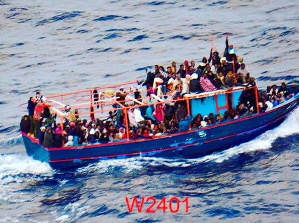 Lo sbarco di migranti a Pozzallo, fermati cinque presunti scafisti