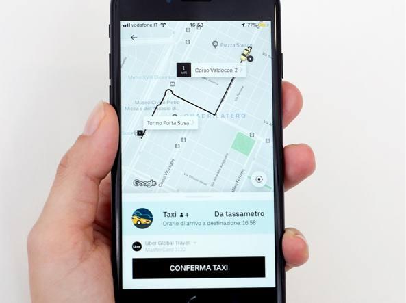 Uber taxi a Torino, prima città italiana