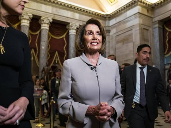 Congresso Usa, Nancy Pelosi arriva coi nipotini
