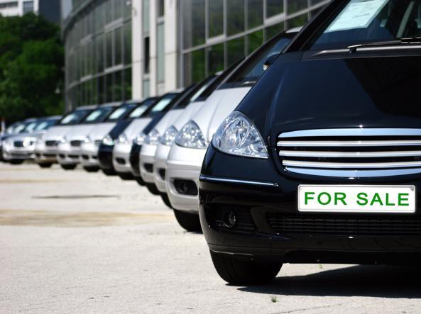 Antitrust multa case automobilistiche per cartello sui finanziamenti