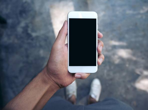 Tar: ministeri informino sui rischi dei telefonini per salute e ambiente