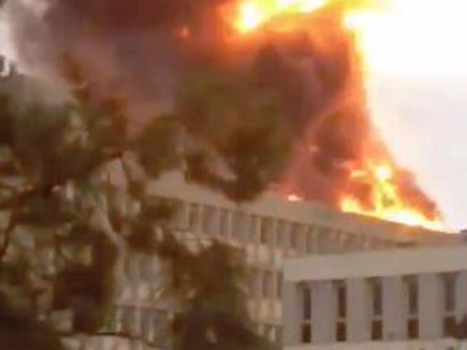 Francia, esplosione e incendio in università a Lione