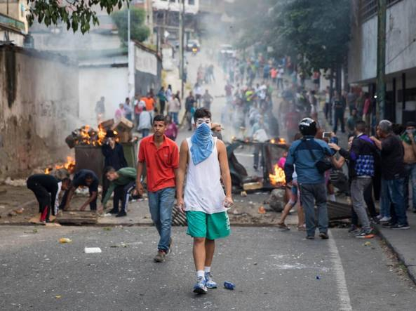 Venezuela nel caos Trump vuole trattare l'uscita di Maduro