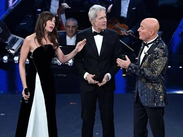 Sanremo 2019, ironia Bisio: