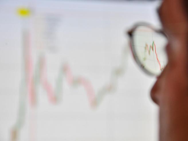 Spread sfiora 280 dopo stime Ue - Economia