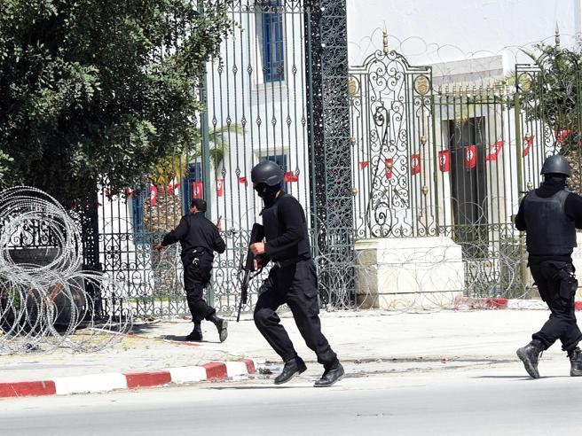 Tunisia: 7 ergastoli per le stragi al Museo Bardo ea Sousse
