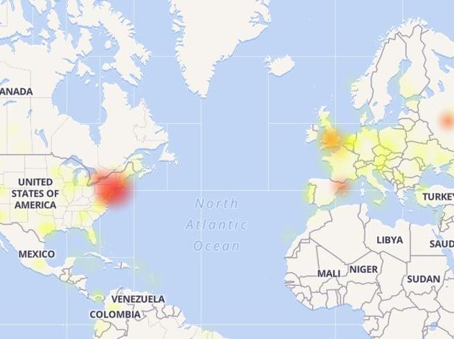 Facebook, Instagram e Whatsapp down, cosa sta succedendo