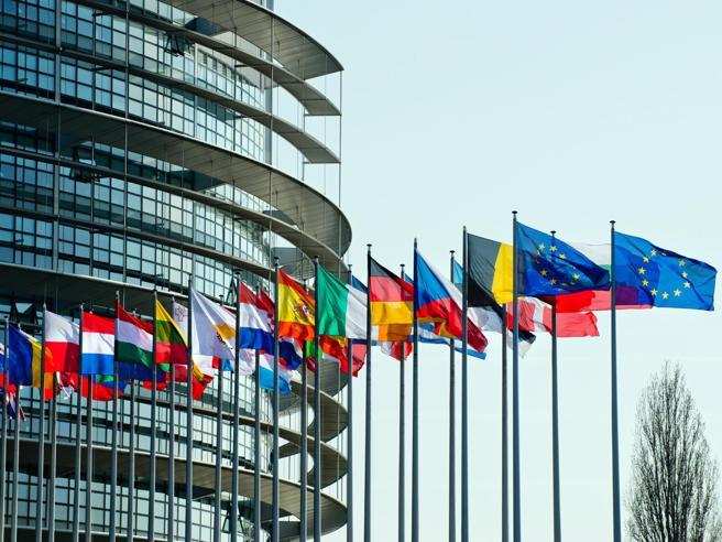 Copyright, il Parlamento europeo approva direttiva su diritto d'autore