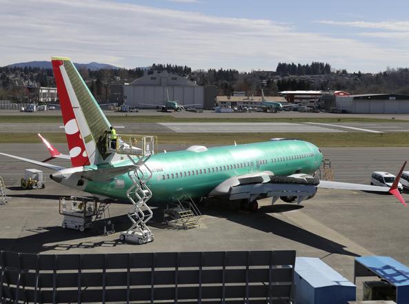 Florida, atterraggio di emergenza per un Boeing 737 Max 8