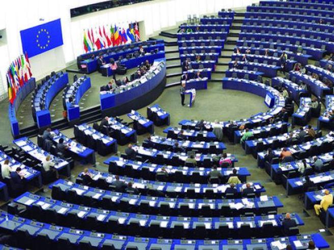 Ora legale addio, ma dal 2021: il Parlamento europeo approva la proposta