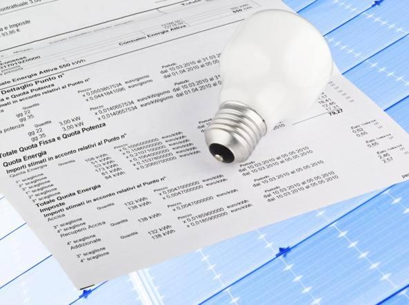 Tariffe: da primo aprile -8,5% luce, -9,9% gas