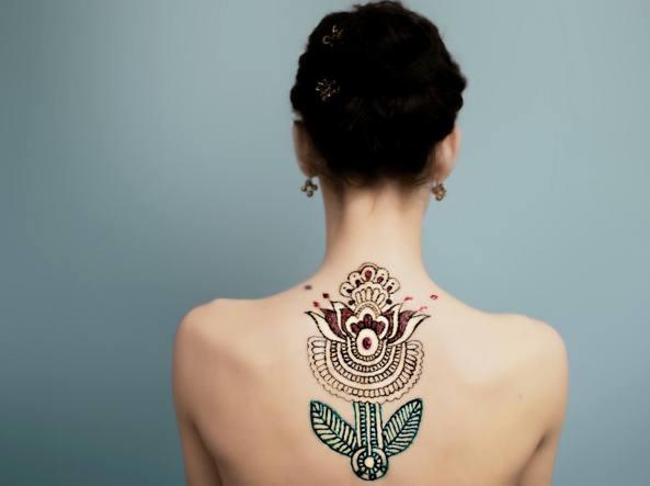 Tattoo, in Italia ritirati 9 pigmenti cancerogeni