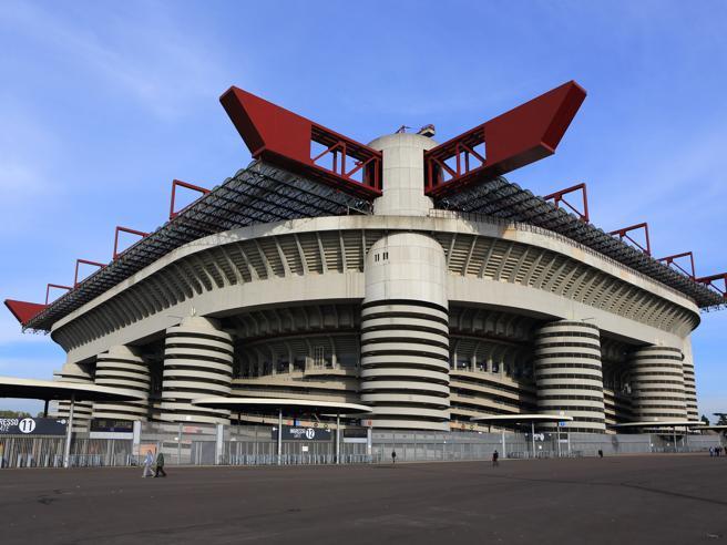 Milano, vibrazioni sugli spalti di San Siro: