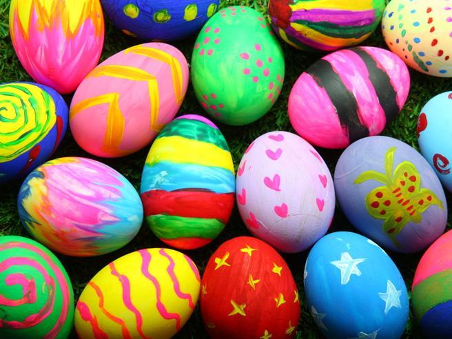 Cioccolato scaduto per la produzione di uova di Pasqua: blitz dei Nas