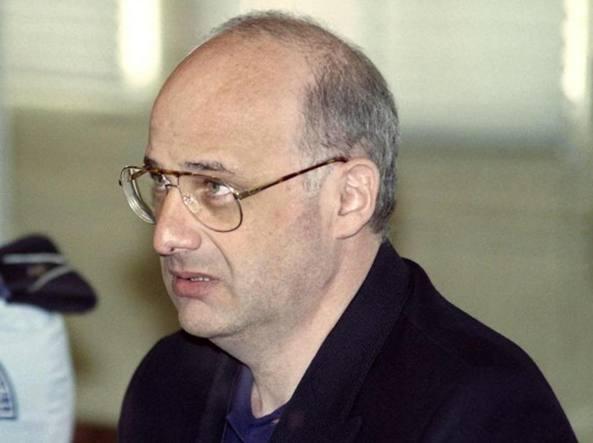 Falso medico Oms uccise moglie, figli e genitori: in libertà vigilata