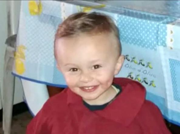 Cassino, il piccolo Gabriel strangolato perché disturbava i genitori amanti