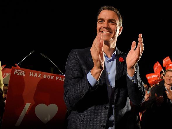 Spagna: Casado apre alla destra di Vox