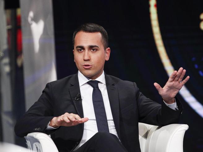 Di Maio antifascista di comodo: le ultradestre non vogliono il bene dell'Italia