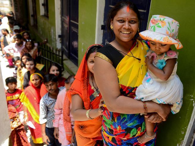 India: ultimo giorno maratona elettorale in otto stati