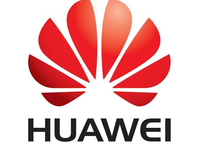 Google rompe con Huawei, stop agli aggiornamenti Android
