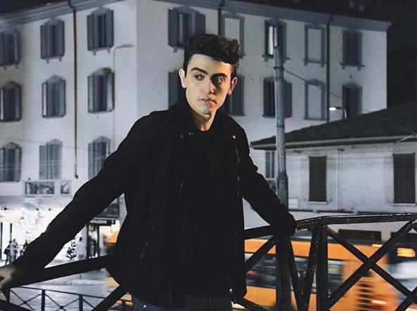 Michele Bravi distrutto dopo l'incidente racconta il suo dramma
