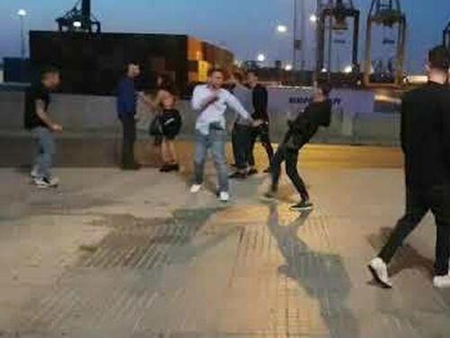 Quattro italiani arrestati dopo una rissa
