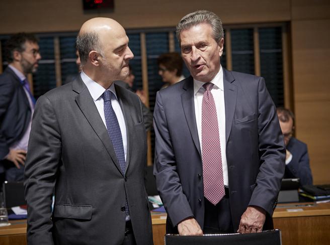 Il commissario Oettinger: avvio procedura se numeri Italia confermati