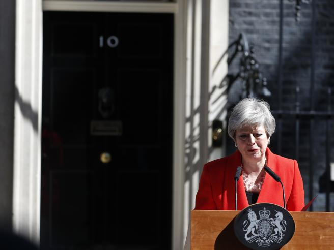 May formalizza dimissioni da leader Tory