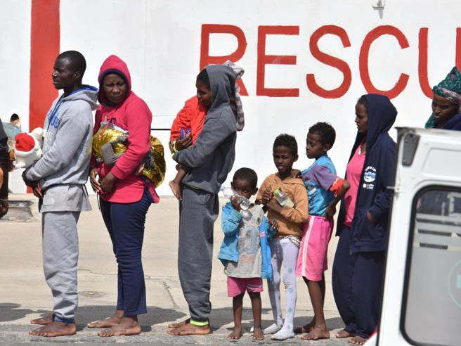 Migranti, in 38 soccorsi a Lampedusa