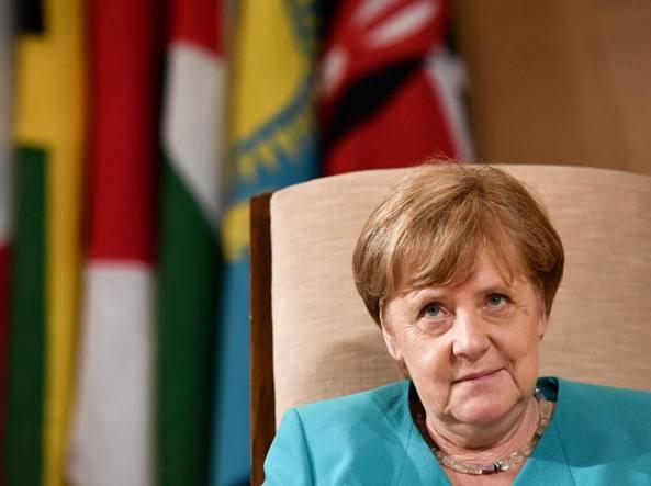 Ue, Salvini: Macron e Merkel, bella coppia