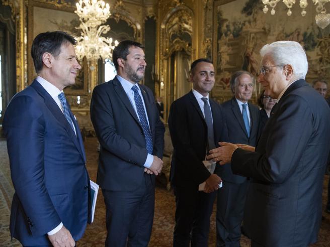 Salvini insiste su taglio tasse, la replica di Conte
