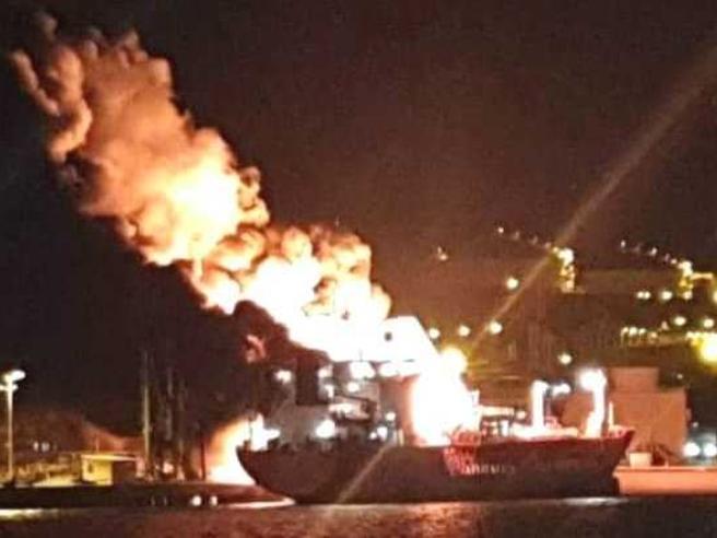 Turchia, incendio su petroliera italiana: un morto e sedici feriti