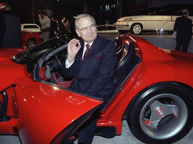 Auto, addio al mito Lee Iacocca. Salvò Chrysler come Marchionne