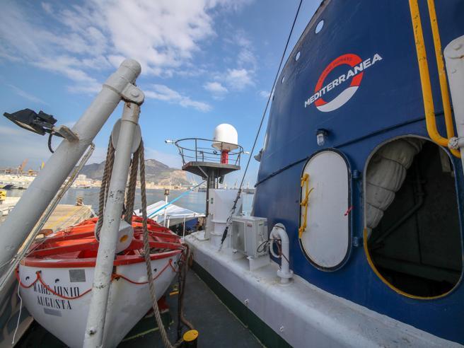 Ong Mediterranea vicino a Lampedusa, 'stop del Viminale'
