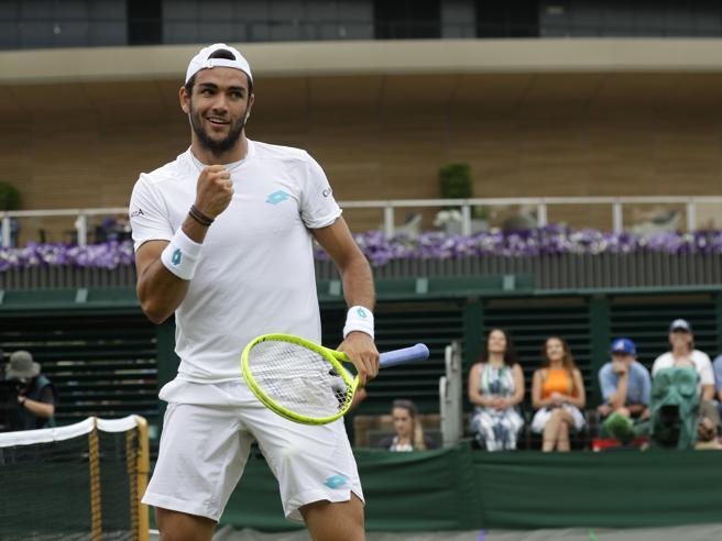 Wimbledon: Federer batte Nadal e vola in finale, la sua 12esima