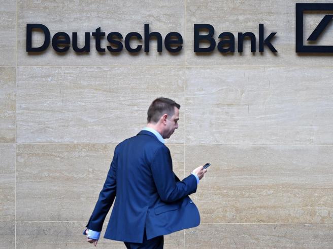 Deutsche Bank, ok al piano. Taglierà 18mila dipendenti