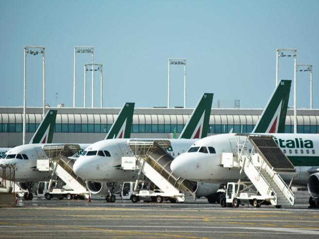 Atlantia valuta interesse per Alitalia, dossier in cda domani - stampa