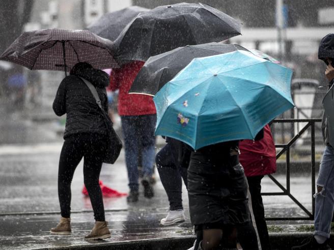 Meteo: da questa sera forti temporali: le zone a rischio