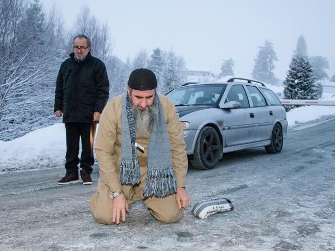 Arrestato in Norvegia il Mullah Krekar, condannato in Italia per terrorismo