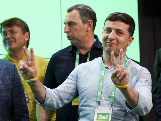 Ucraina, trionfo dell'ex comico Zelensky alle legislative.