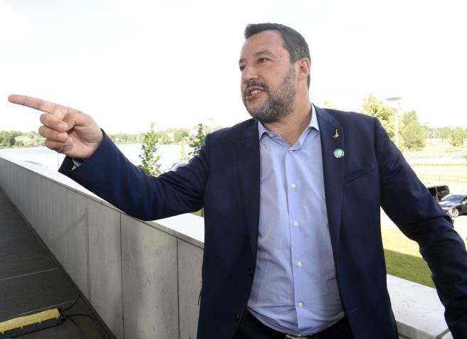 Salvini alla Francia: