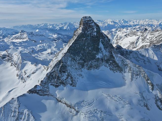 Guida e cliente muoiono sul versante svizzero del Cervino