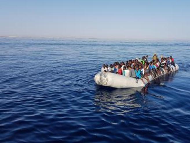Naufragio davanti alla Libia, si teme una strage di 150 morti