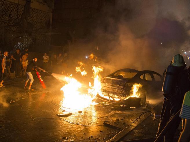 Egitto, auto si lancia contro ospedale ed esplode: 19 morti