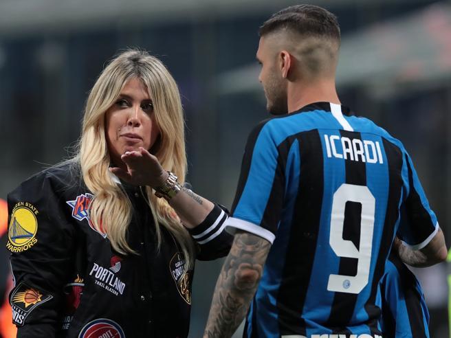 Icardi pensa all'offerta della Roma: l'Inter spera e sogna Dzeko