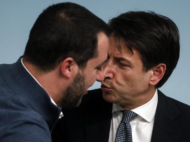 I cinque stelle chiedono chiarimenti sulla visita di Matteo Salvini