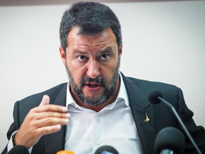 Scontro M5s-Lega, Di Maio attacca Salvini: