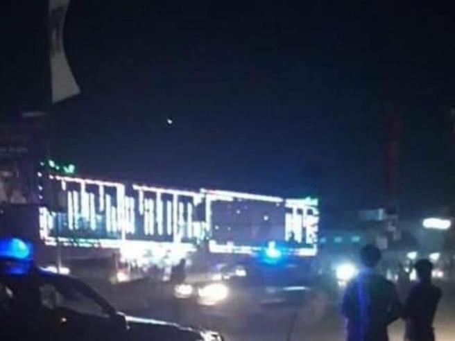 Kabul, attentato al matrimonio: decine di vittime, le prime immagini
