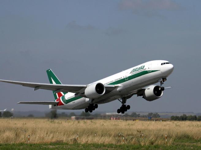Alitalia: salta il vertice tra Delta e la cordata italiana