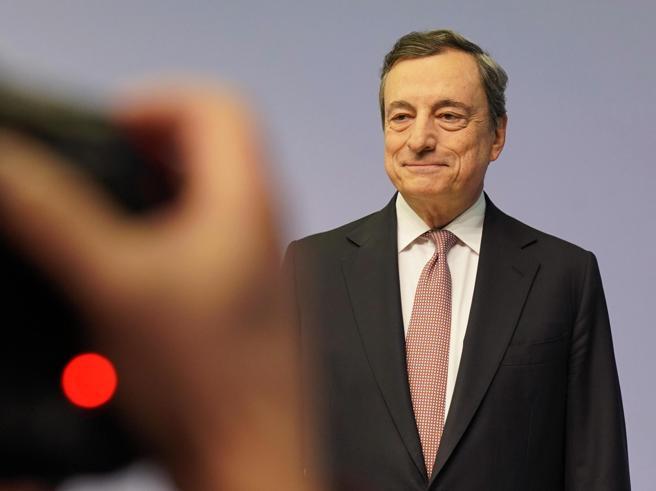 Draghi, slancio Eurozona rallentato più del previsto - la DIRETTA